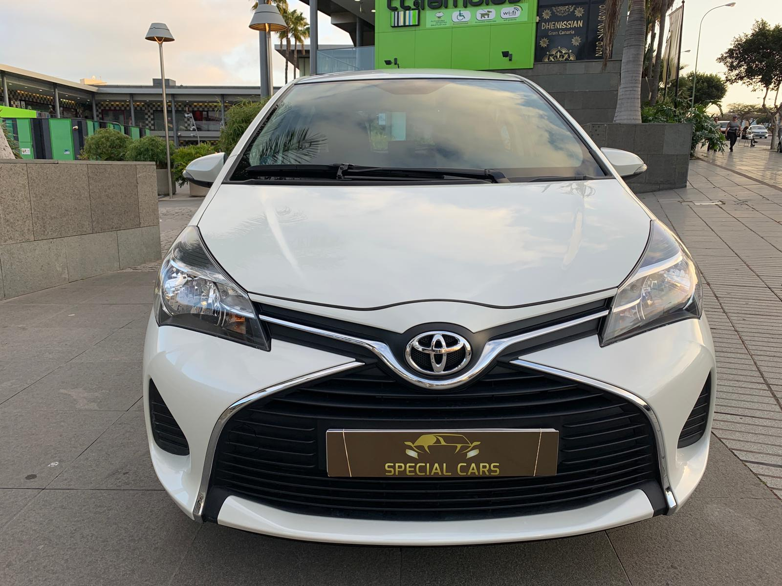 YARIS 1.4 AUT. BLANCO FEB19 2