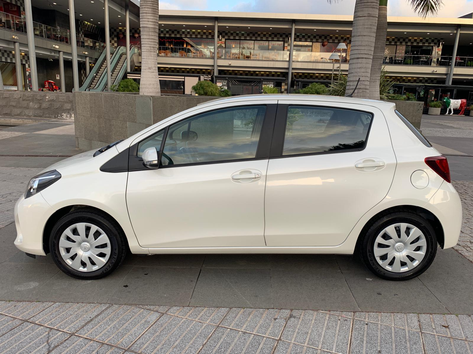 YARIS 1.4 AUT. BLANCO FEB19 3