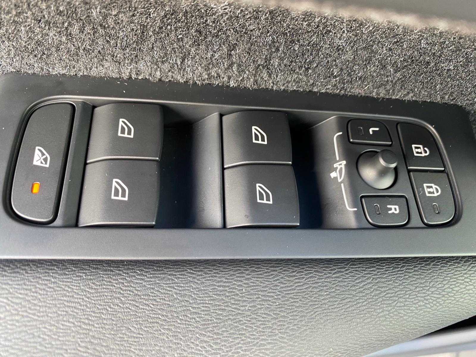 XC40 R-DESING D4 AWD 2018 ENE20 (26)