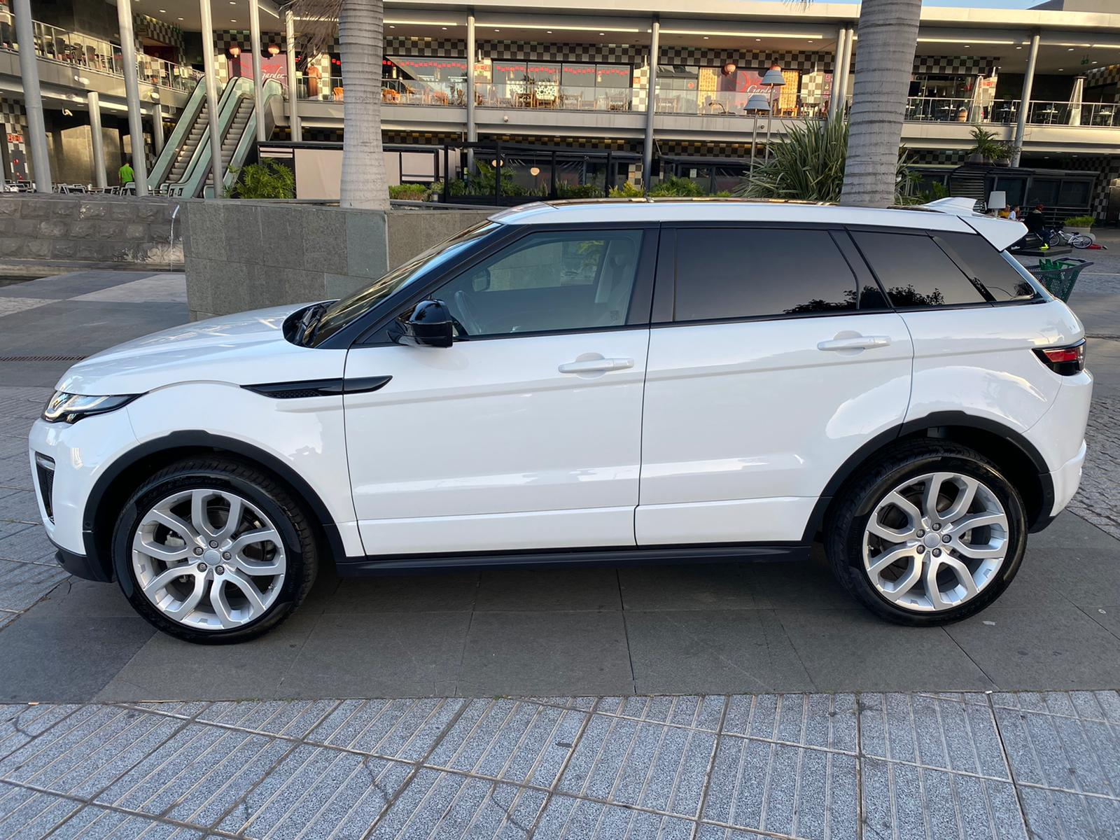 RANGE ROVER EVOQUE DYNAMIC 2.0 TD4 2016 FEB20 (3)